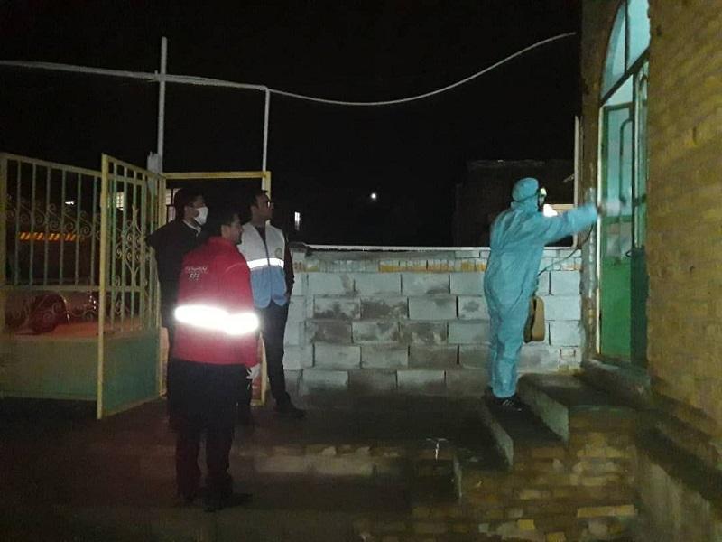 ضد عفونی اماکن و جداره اصلی صنوف شهر مزداوند برای مقابله باویروس کرونا